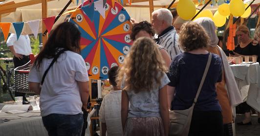 Fest rund um das Nachbarschaftshaus am Körnerpark. Bild: Standbild aus dem Videofilm