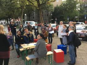 Die Kiezbewohner planen ihren neuen Gemeinschaftsgarten. Bild: QM Bülowstraße / Wohnen am Kleistpark
