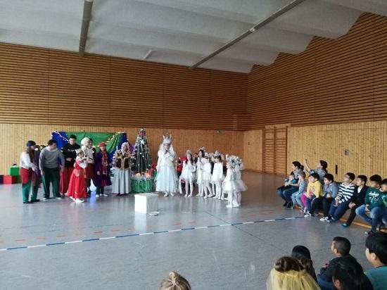 Beim Jolka-Fest konnten die Kinder eine weitereKultur kennenlernen. Foto: QM Mehrower Allee / Weeber + Partner