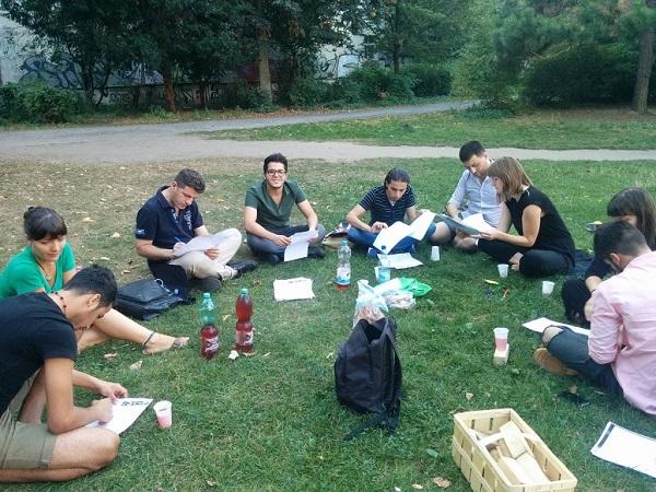 Beim Sprachcafé können Deutschlernende ihre Sprachkenntnisse bei ungezwungener Atmosphäre festigen. Bild: SoliNaR