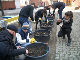 Mit viel Spaß und Engagement entstand der Schulgarten. Bild: Theodor-Heuss-Gemeinschaftsschule