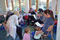 Die Eltern werden in die Arbeit des FamilienForums mit einbezogen. Bild: Heinze, Elikekli