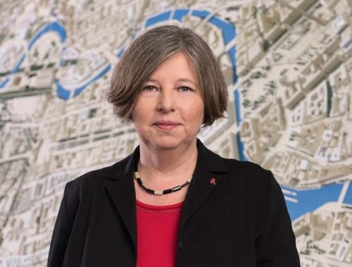Dankte für fast 20 Jahre Engagement im Quartiersmanagement: Senatorin Katrin Lompscher. Foto:  Marco Urban