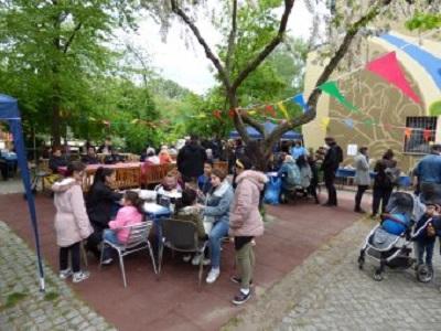 Die Mischung der Generationen machte das Jubiläum zu einem gelungenen Fest. Bild: QM Wassertorplatz
